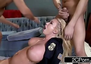 Officialdom place summer brielle double-teamed by duo Hell