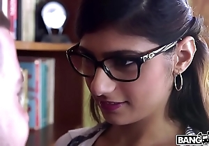 Bangbros - mia khalifa is back coupled with hotter than ever! halt hose down out!