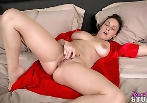 Melanie hicks not far from my youthful old woman (hd)