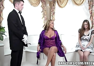 Brazzers - sexy bathroom triple