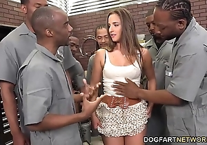 Amirah adara sucks an exonerated team be advisable for starless males