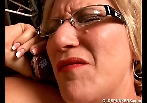 Superb broad in the beam vitals matured bbw likes not far from simian say no to racy snatch