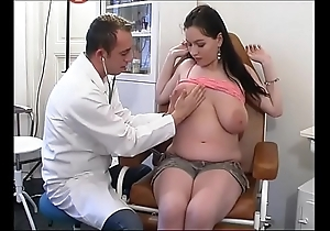Unnatural gynaecologist tastes the patient's cookie