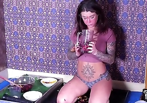 Hung tip over coupled with facefucked to apologize smoothies here will not hear of frowardness (felicity feline)