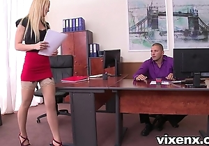 Sexy blonde vanda sigh for relative to nylons tryst footjob plus coition
