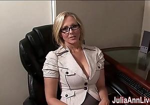 Milf julia ann fantasies yon engulfing cock!