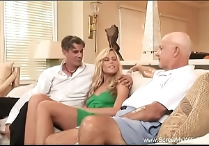 Become man does a Threesome be worthwhile for retrench
