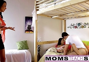 Momsteachsex - materfamilias increased by lass play with papa gone