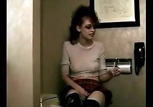 Redhead battle-axe pissing
